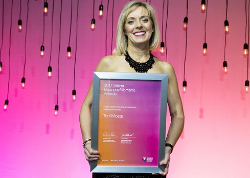 Toni Moate named 2017 Telstra Tasmanian Business Woman of the Year