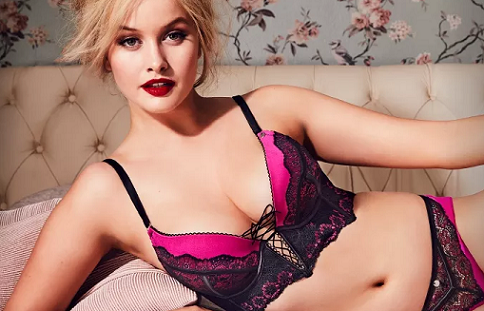 Bras N Things' launches the Vamp Collection with Simone Holtznagel